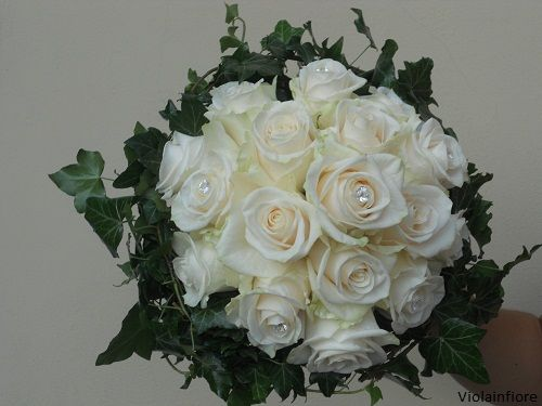 Bouquet Sposa Con Swarovski.Bouquet Con Rosa Vendela Avorio E Edera Bouquet Sposa In