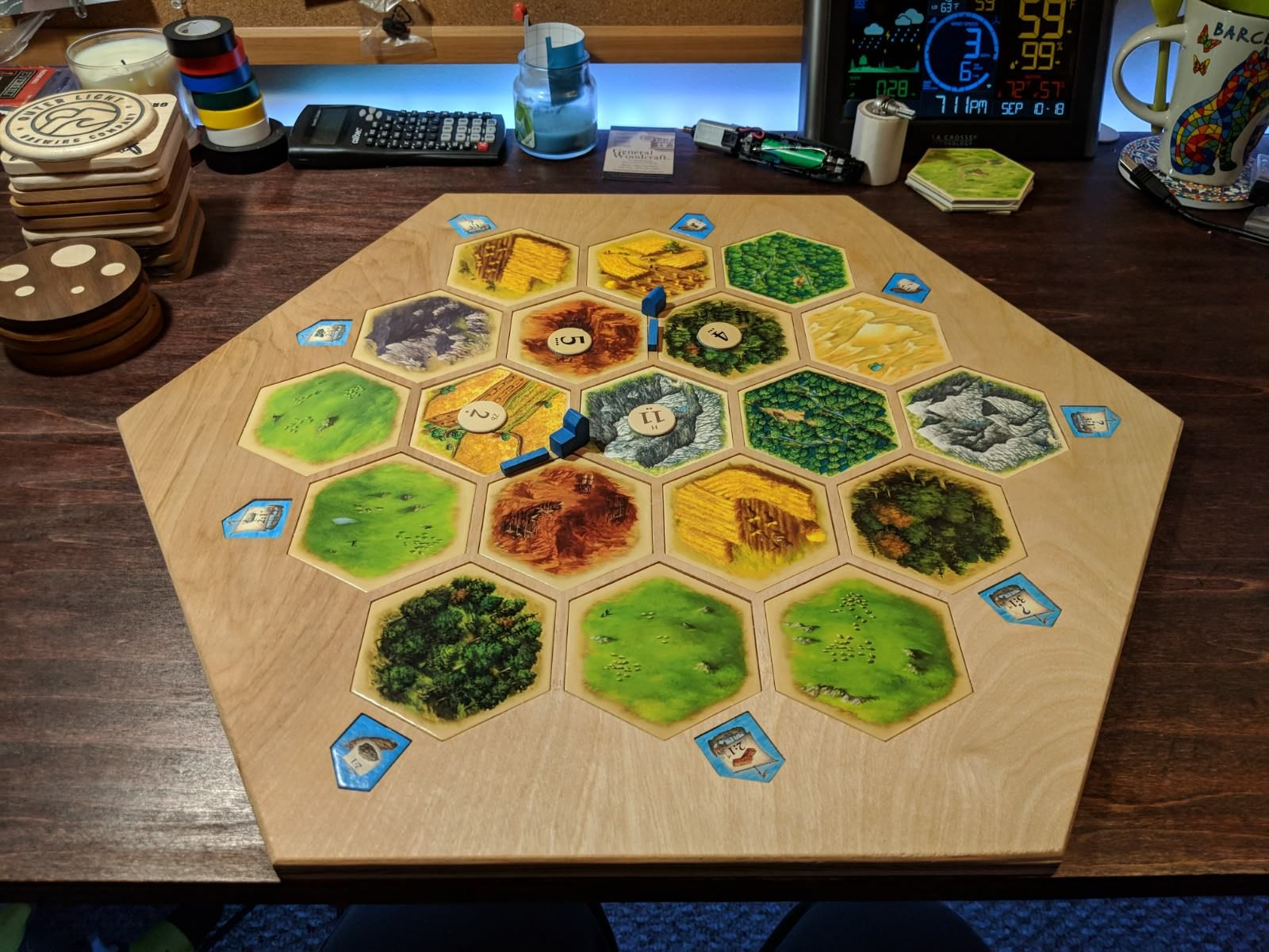 I made a wooden Settlers of Catan board using my CNC ...