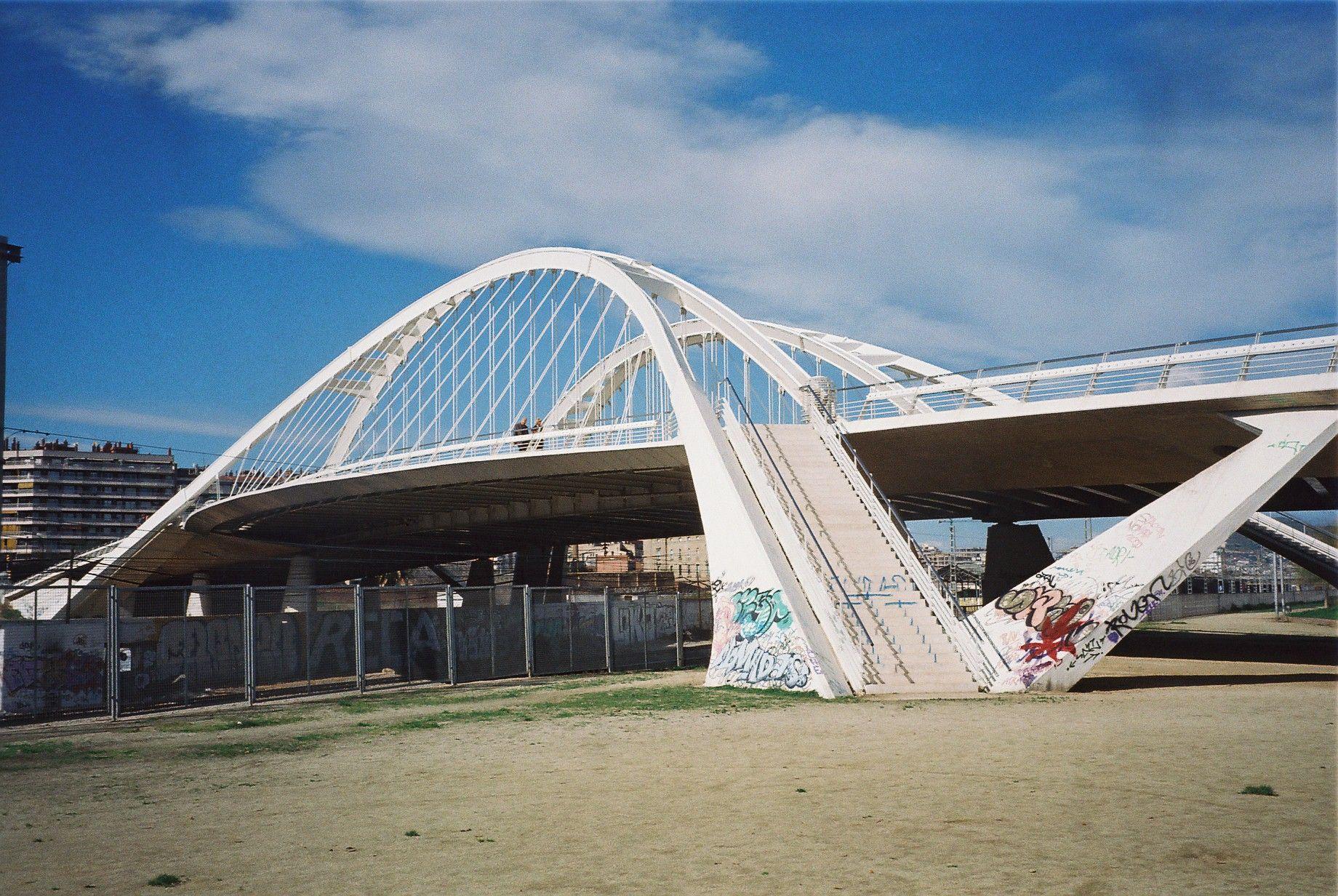 Pont bac de roda viaggi pinterest santiago calatrava for Gimnasio bac de roda
