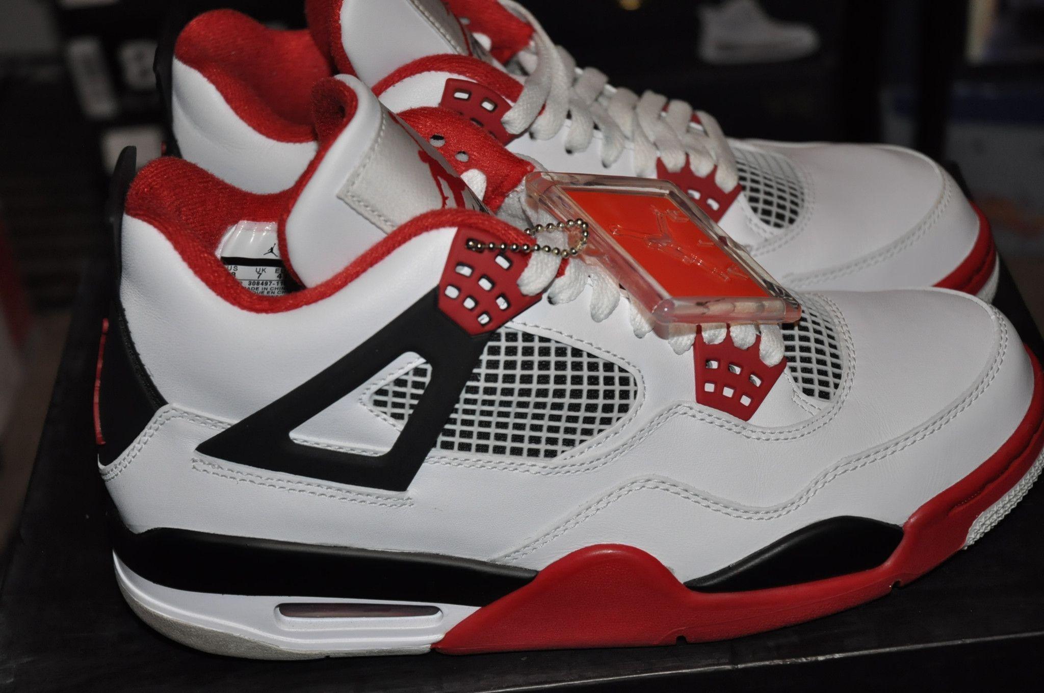 "Air Jordan Retro 4 ""Fire Red"" Sz 8"