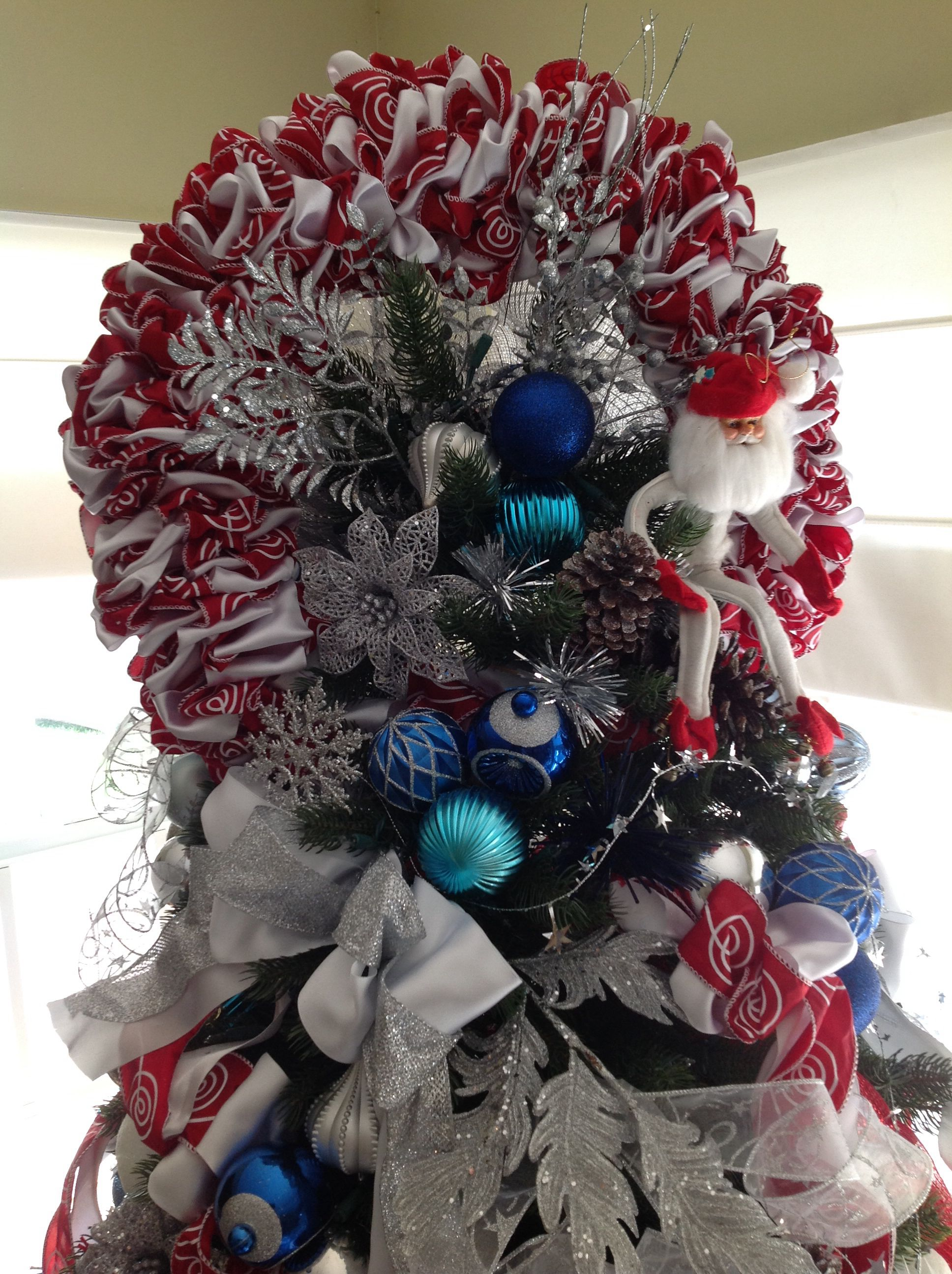Ribbon wreaths as toppers :) www.ornamator.com | Holiday ...