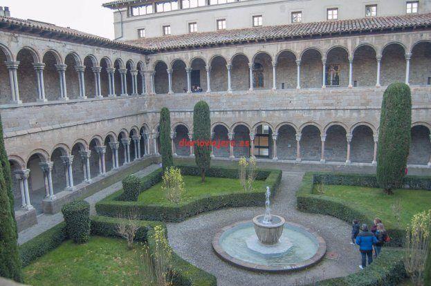Monasterio de Santa Maria de Ripoll X - http://diarioviajero.es/tienda/monasterio-de-santa-maria-de-ripoll-x/