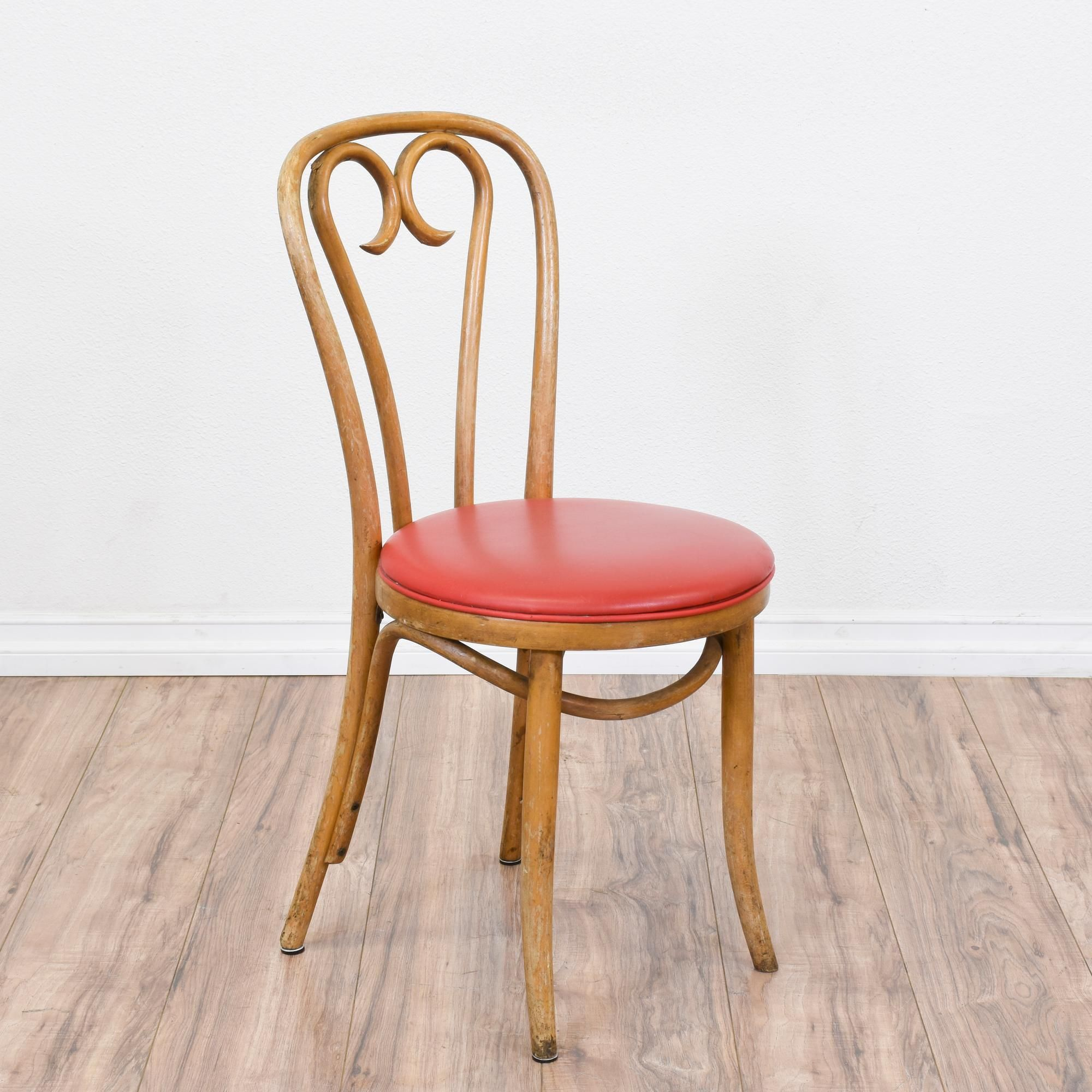 bentwood bistro chair. This Thonet Inspired Chair Is Featured In A Bentwood With Glossy Light Wood Finish. Great Condition Swirl Back, Bistro .