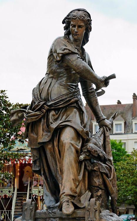 Frenchhistory Statue En Bronze De Jeanne Women Warriors Warrior Woman Women In History