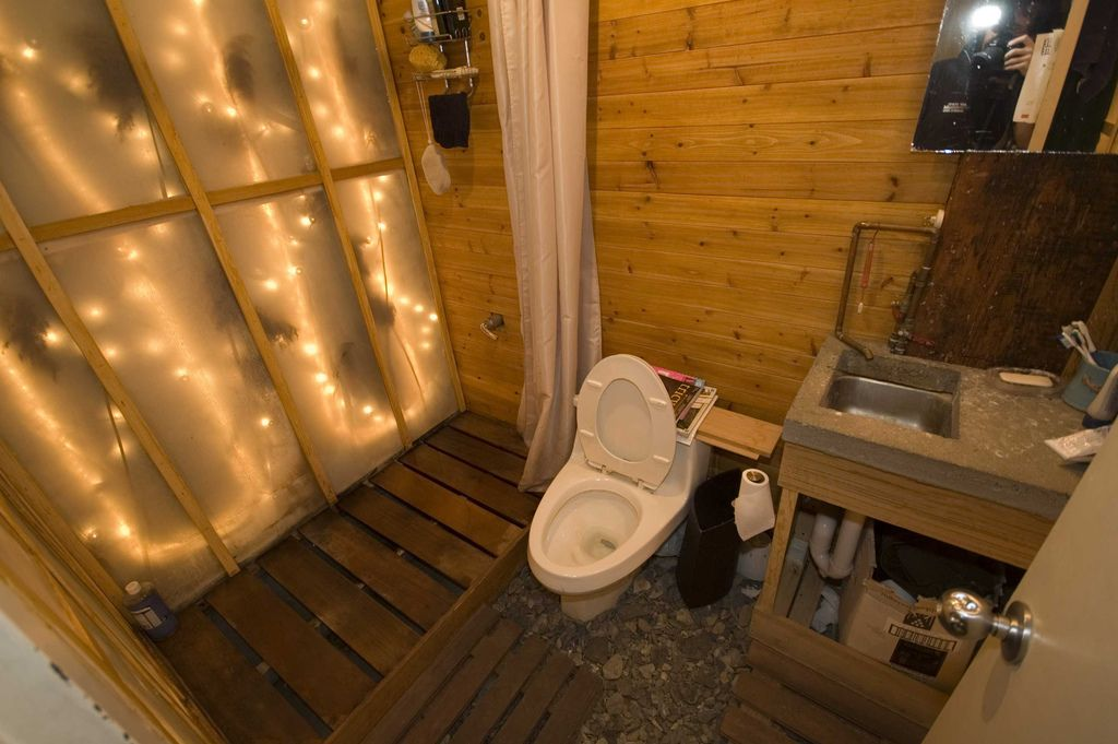 a treehouse grows in brooklyn bathroom