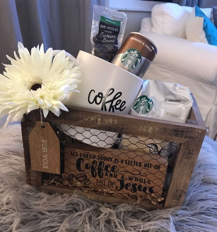 31 Christmas Gift Basket Ideas for Everyone (4) - #basket #Christmas #gift #ideas #boyfriendgiftbasket