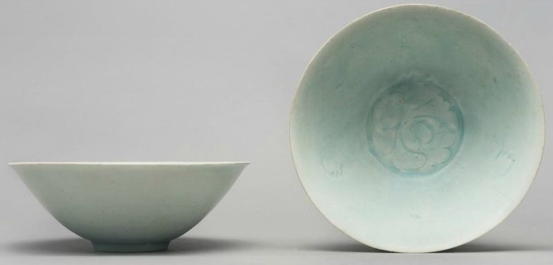 A Pair Of Qingbai Floral Bowls Song Dynasty Floral Bowls Chinese Ceramics Chinese Pottery