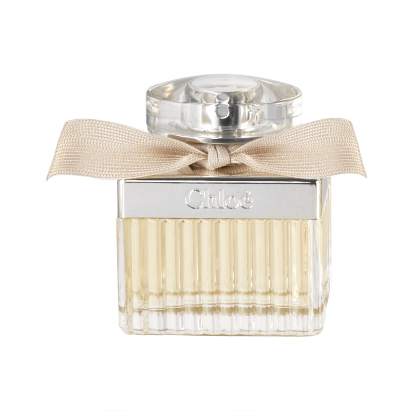 Chloé is a light and fresh yet seductively strong and self-possessed scent, capturing the creative, confident individuality of a free spirited woman with an utterly innate sense of chic and natural...