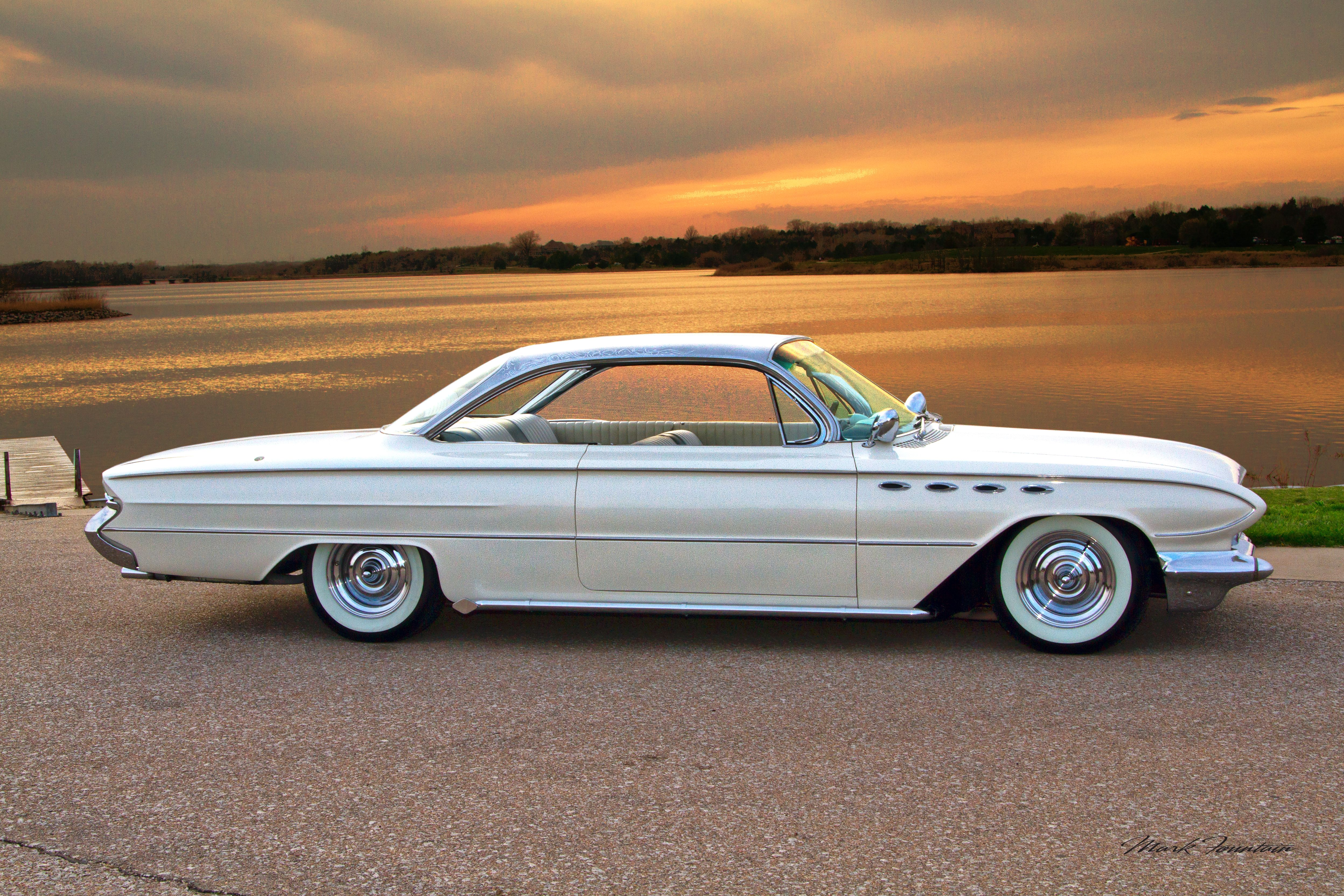 1961 Buick Invicta Photos Informations Articles American Classic Cars Buick Classic Cars Muscle