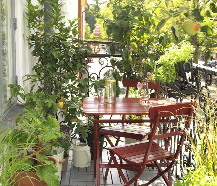M lar tavolo rosso ideale per il balcone o altri for Ambienti esterni giardini