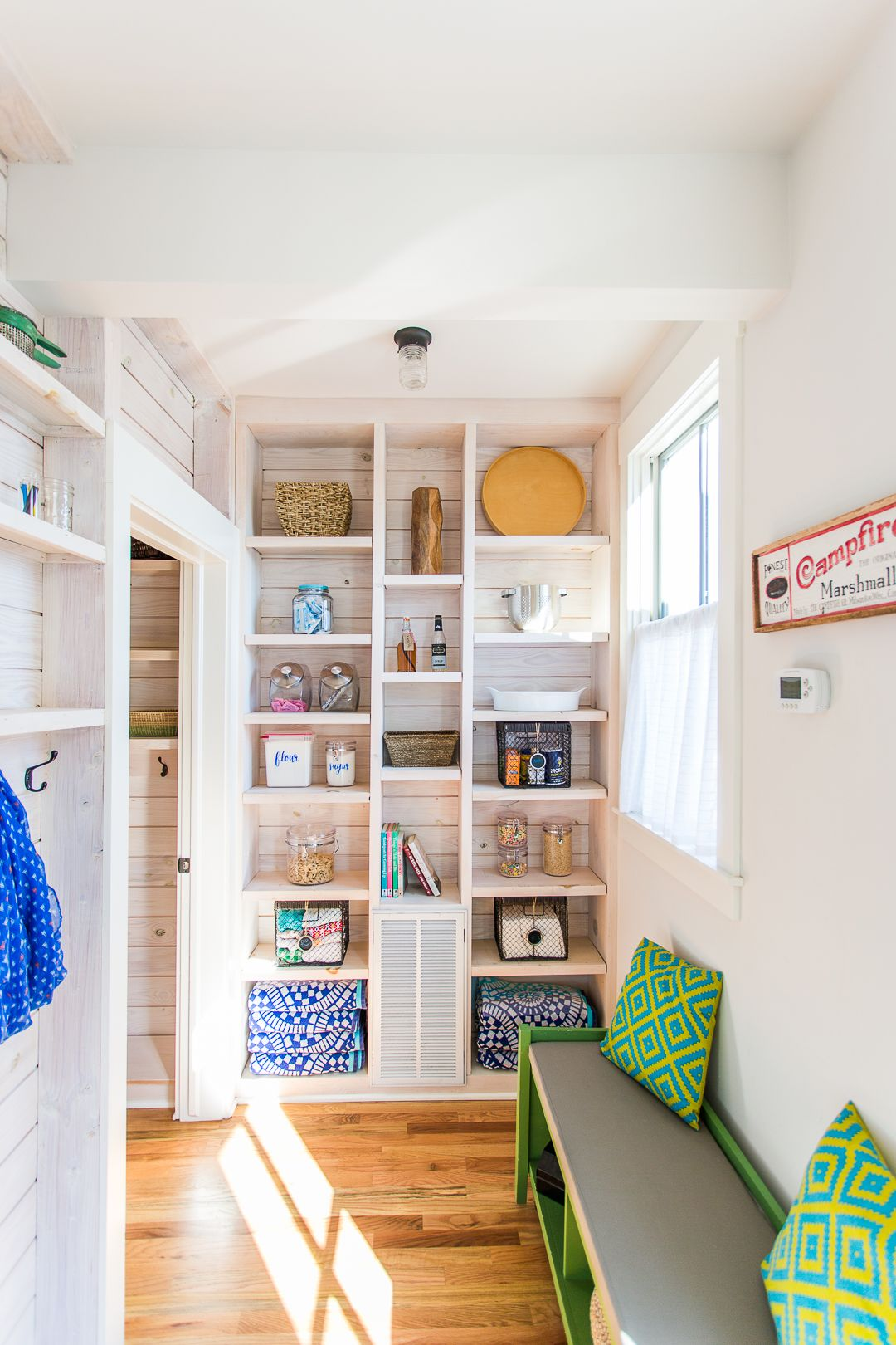 Home Tour: Boho Vintage Lake Cottage   Bunk rooms, Small space ...