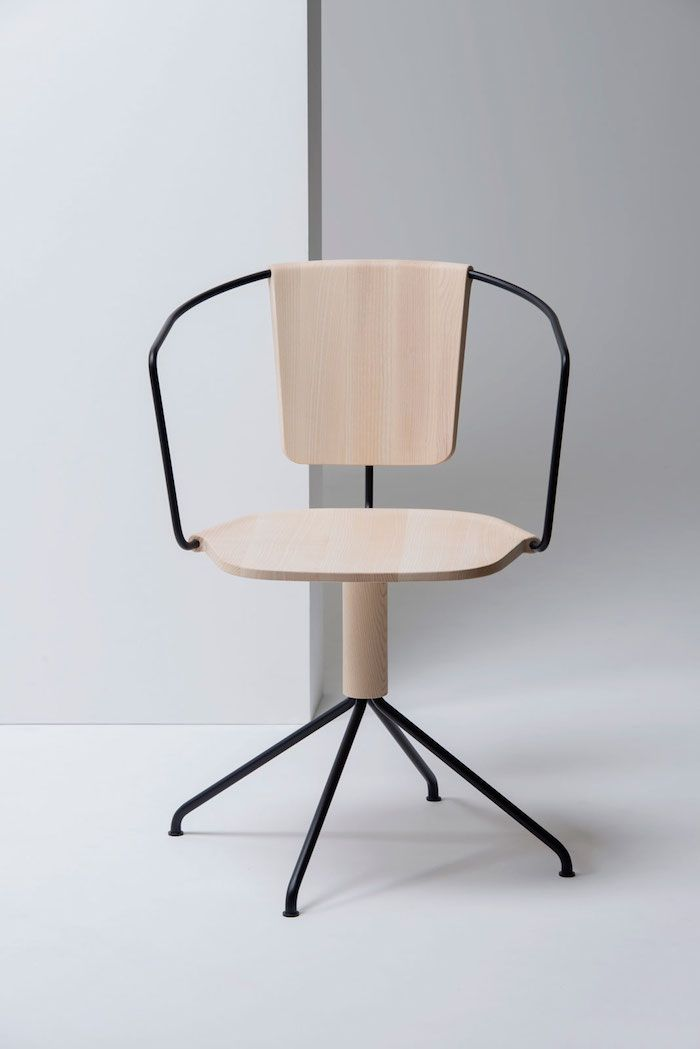 April And May Uncino By Ronan Erwan Bouroullec Metal Chairs Chair Design Furniture