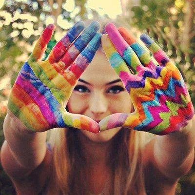"""""""Só existem dois dias do ano em que nada pode ser feito. Um se chama ontem e o outro amanhã, portanto hoje é o dia certo para amar, acreditar, fazer e principalmente viver.""""  Dalai Lama Palavras sábias e um conselho valioso para todos!"""