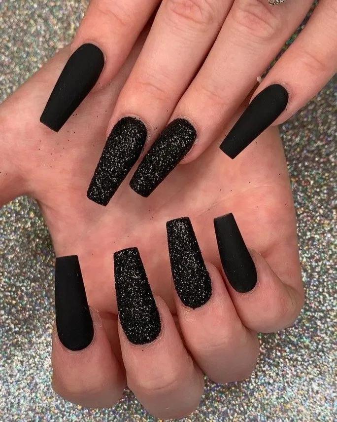 165 Popular Gel Glitter Coffin Nail Designs 25 Thereds Me Black Nails With Glitter Black Coffin Nails Black Acrylic Nails