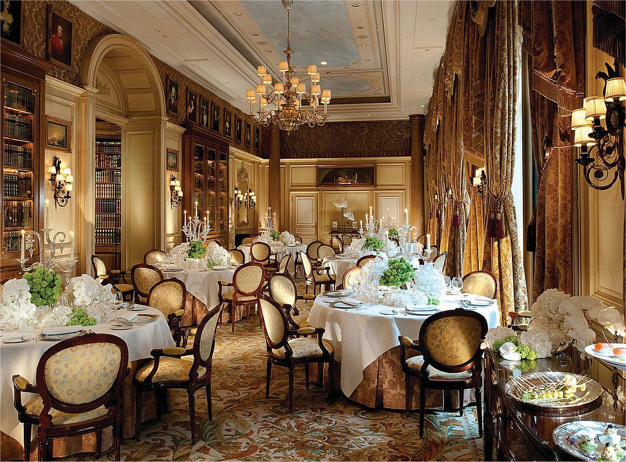 H tel georges v one of the most famous 5 luxury hotel in for Four restaurant