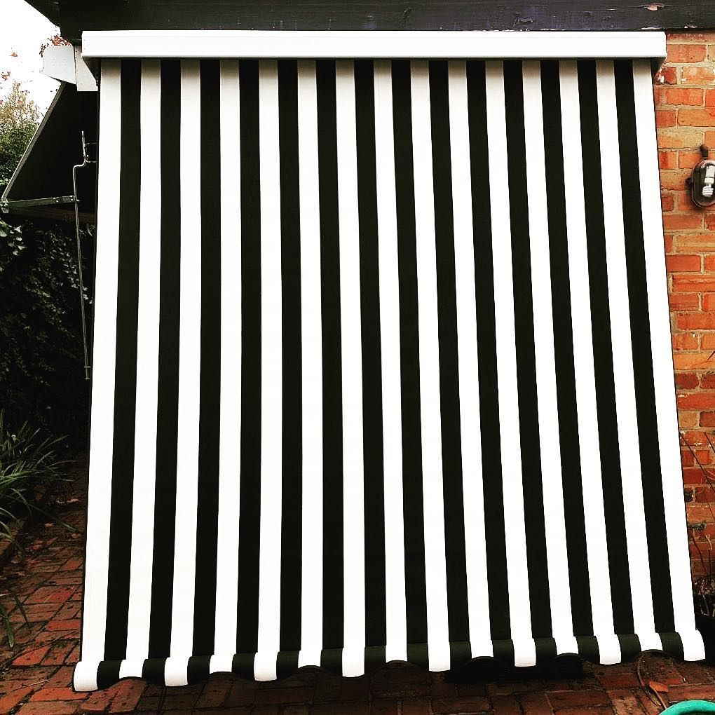 Black And White Canvas Looking Sharp For This Outdoor Custom Blind In Melbourne Ph 98802500 Made In House Ca Black And White Canvas White Blinds Custom Blinds