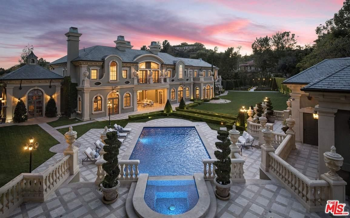 View 20 Photos Maps And A Detailed Description Of This 7 Bedroom At 54 Beverly Park Way Beverly Hills Ca Beverly Park Mansions French Chateau Homes