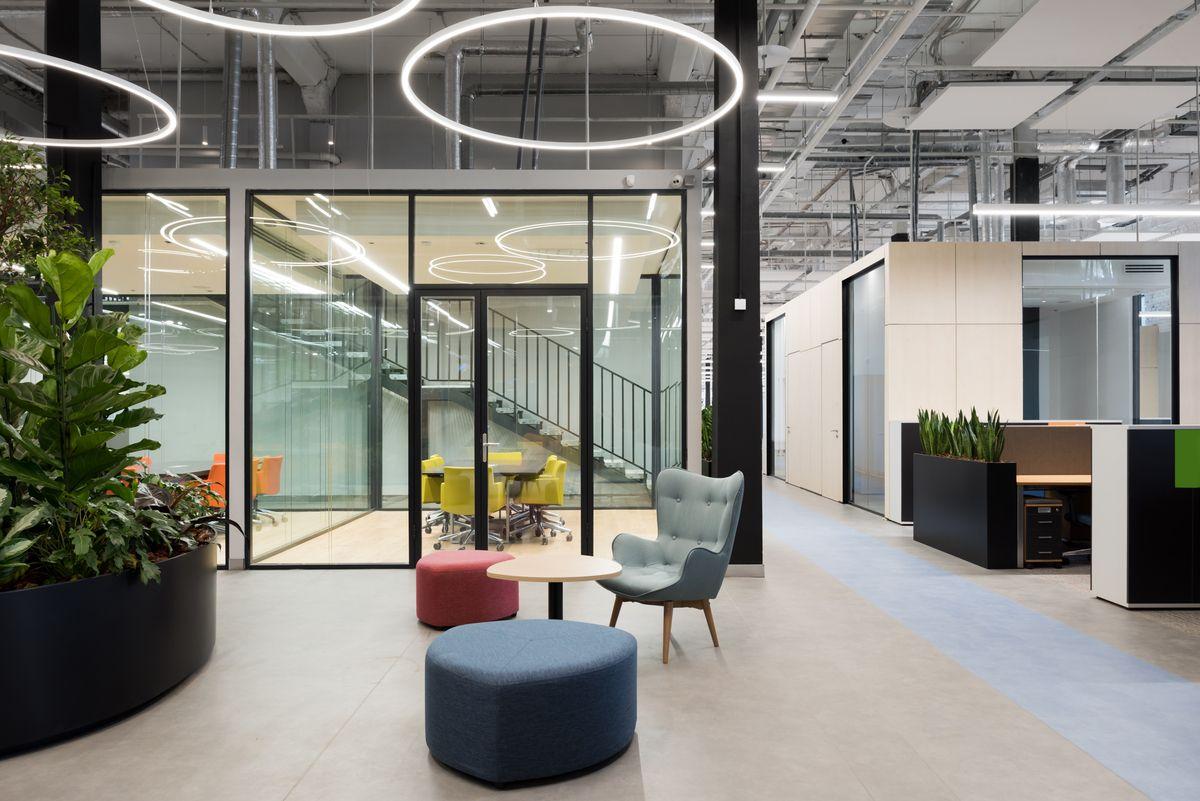 Офис компании avon в москве вход для консультантов эйвон россия