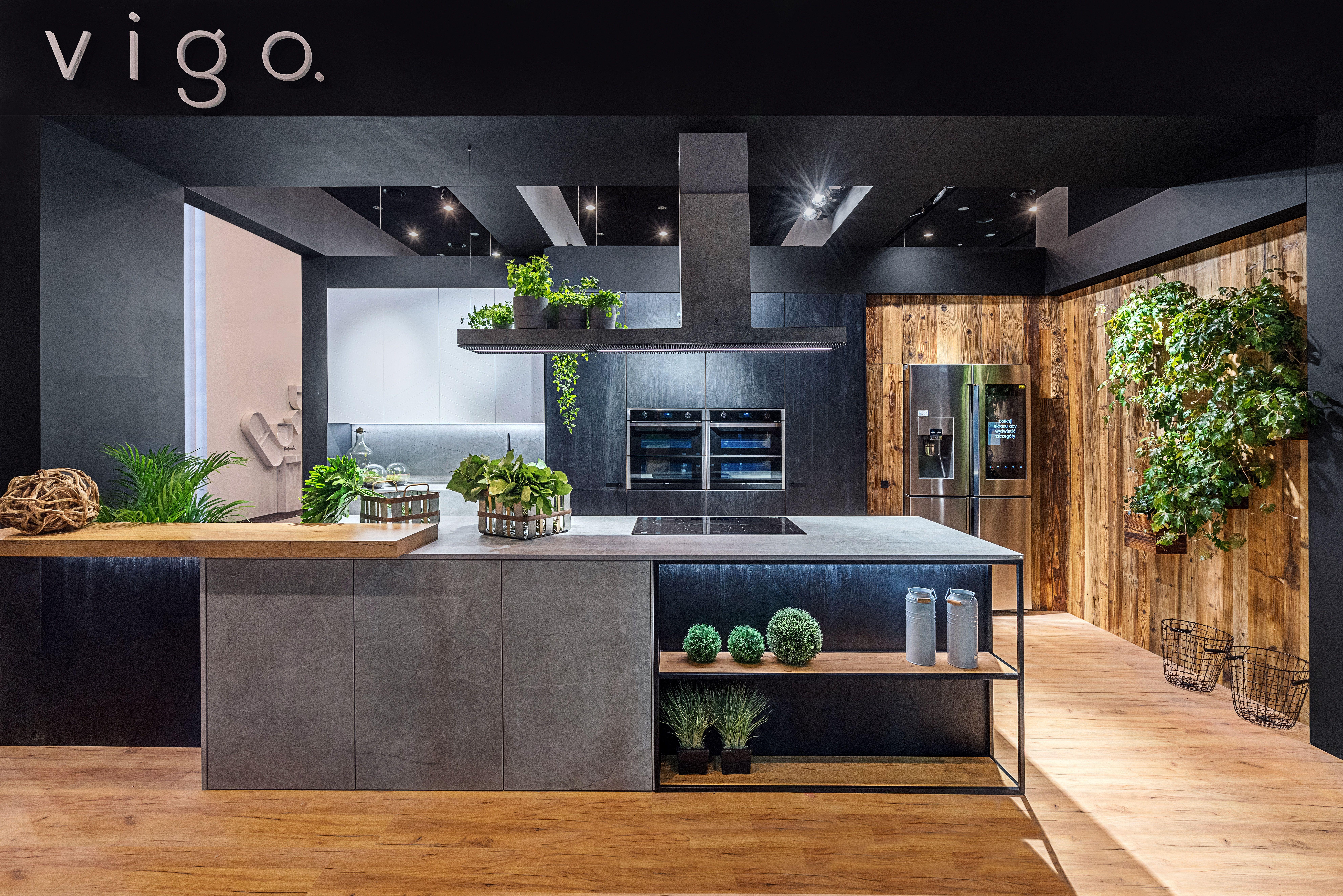 Kuchnia Floryo To Nowoczesna Forma Przelamana Sielskim Akcentem Drewna I Wszedobylska Zielenia Ku Kitchen Inspiration Design Modern Kitchen Design Home Decor
