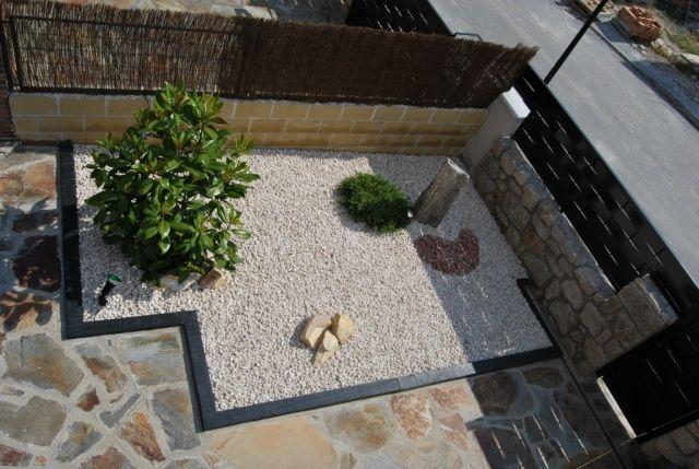 zen garten deko idee kies steine pflanzen sichtschutz bambusmatten - gartengestaltung sichtschutz stein