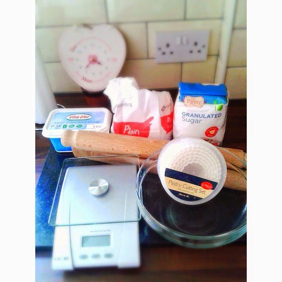 FloralsAndCoralsx: Make Your Own Butter Short Bread.