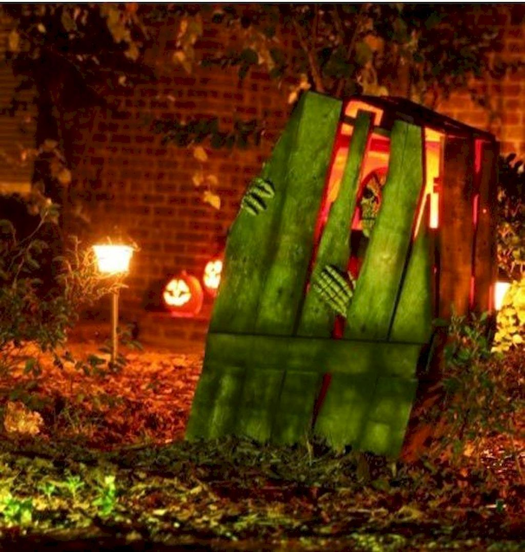 Pin by Home Decorator on Exterior Outdoor halloween