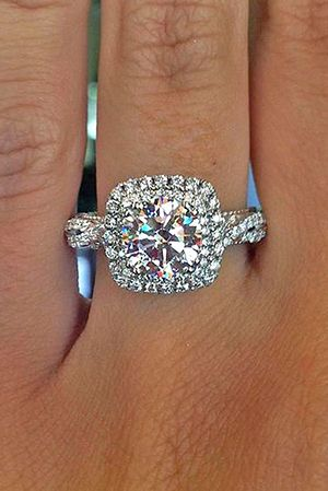 2017 Trending Halo Twisted Wedding Engagement Rings