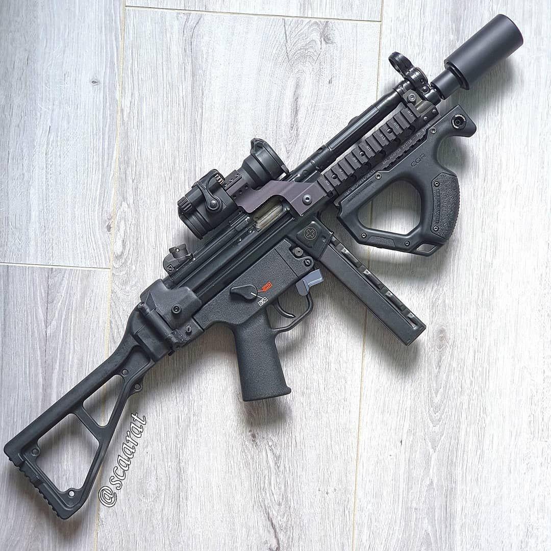 Pin Auf Tactical Combat