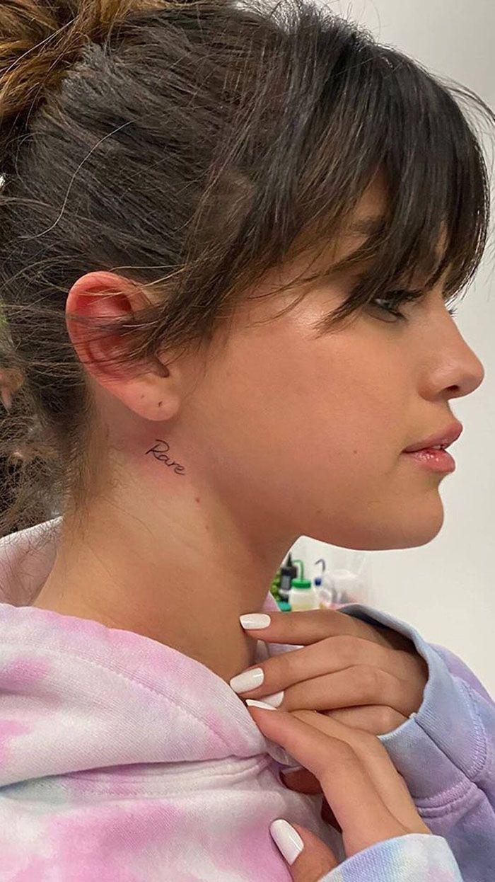 El significativo tatuaje en el cuello de Selena Gomez - Foto 1