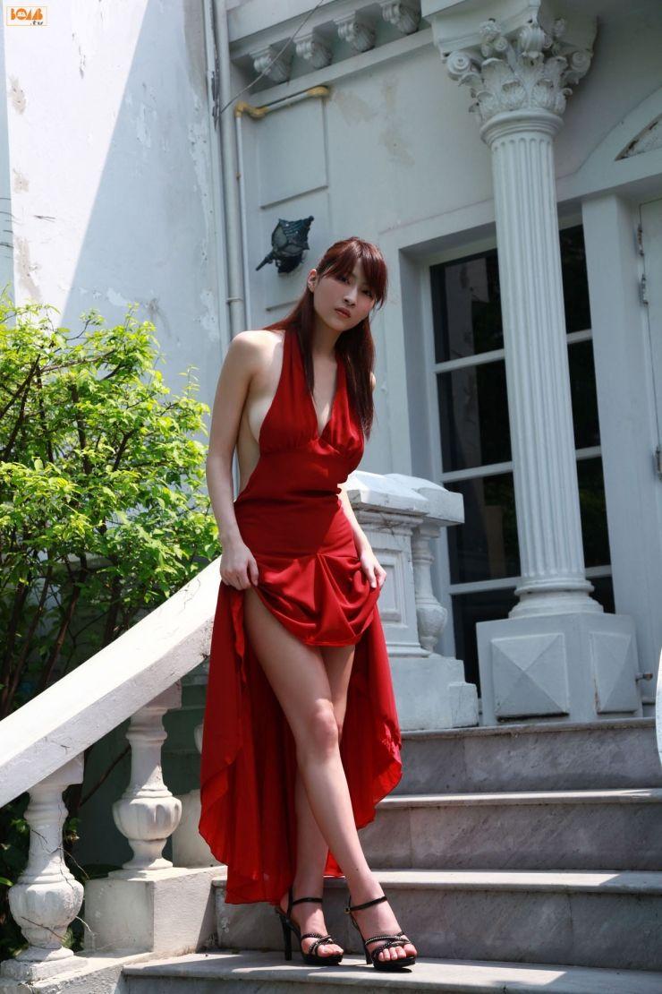 D4zzling me lee hi rose inspired nail - Asana