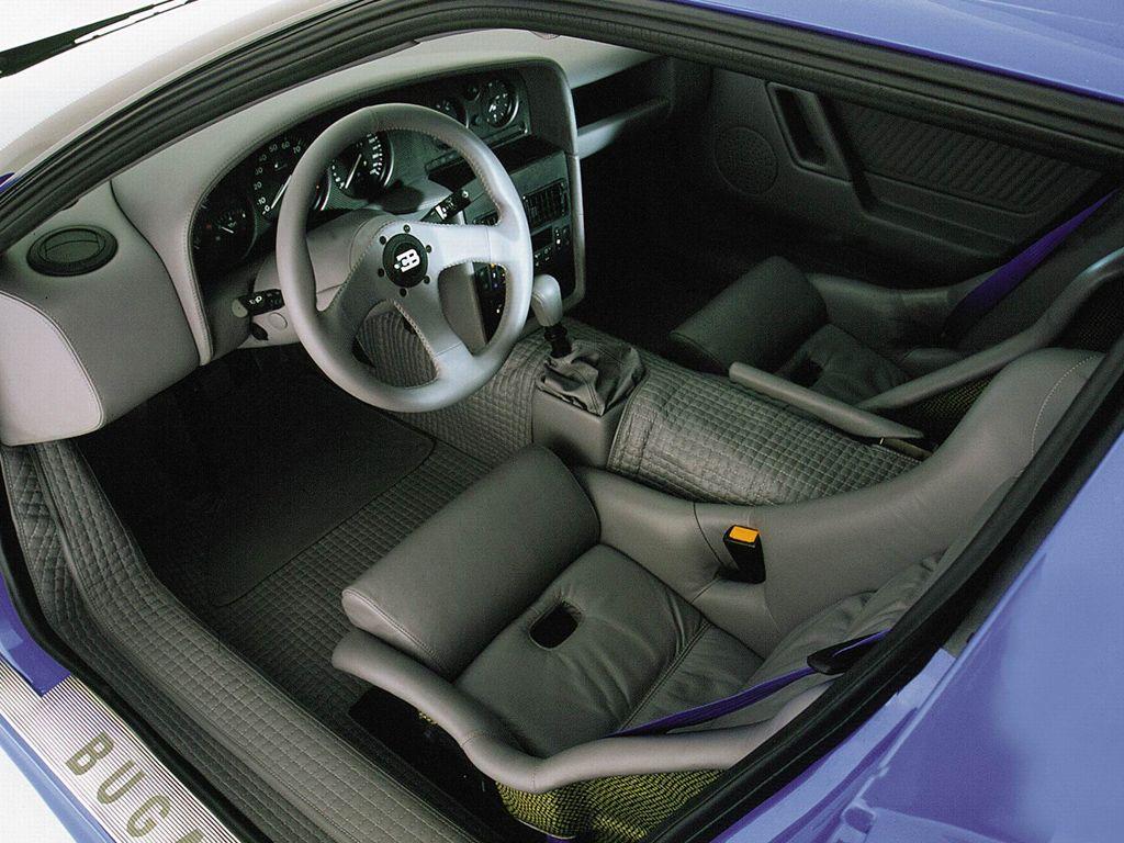 Bugatti EB110 SS interior