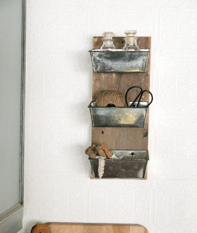 diy-upcycling-ideen-alte-brotbackformen-wand-stauraum-gestalten ...