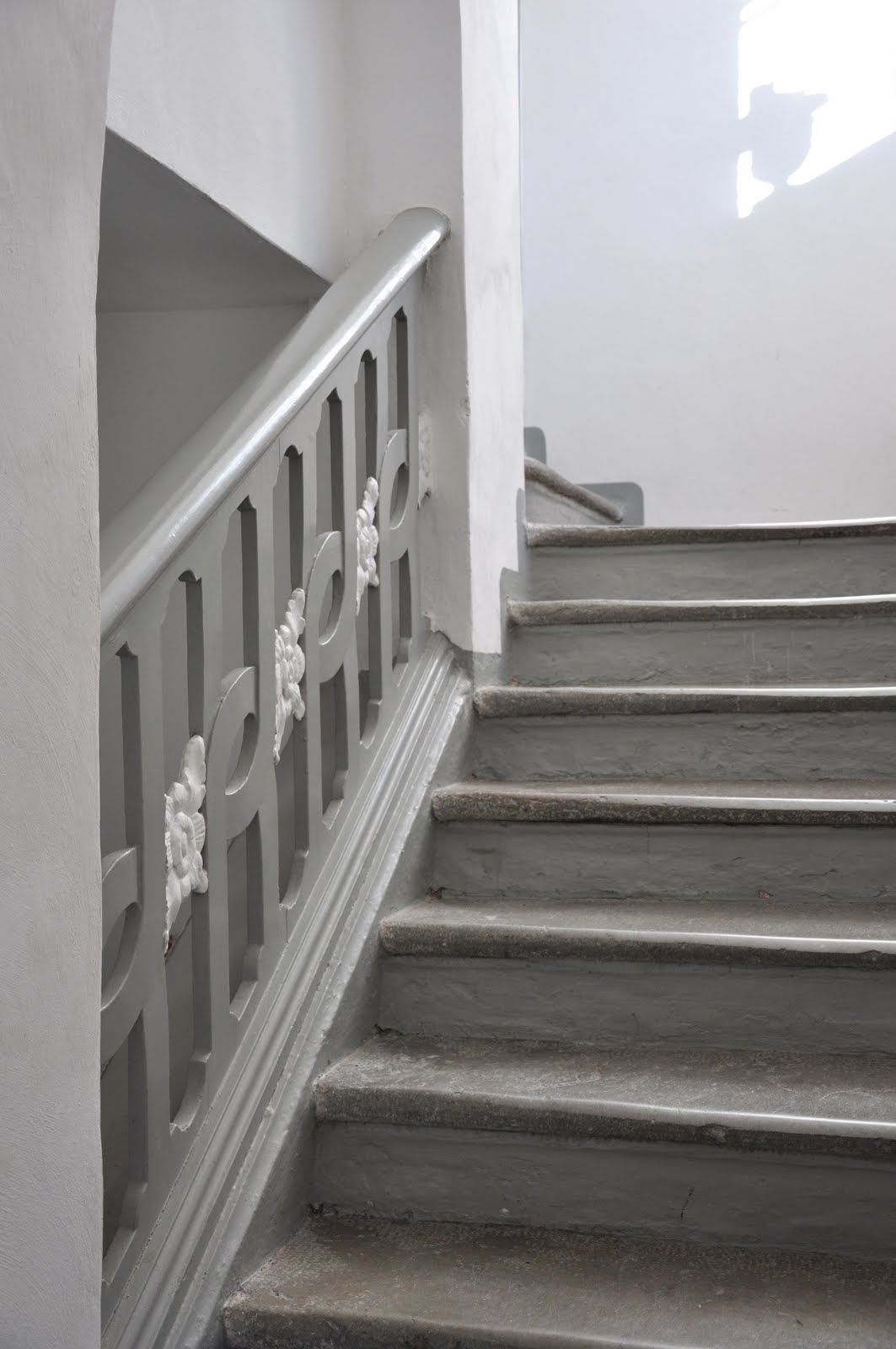 Best Gorgeous Gray Painted Staircase And Railing Painted 640 x 480
