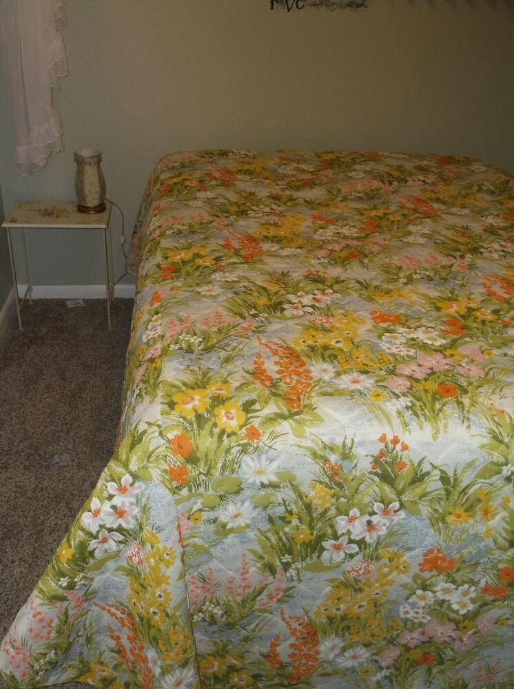 VTG Floral Twin Bedspread Beautiful Colors Quilted