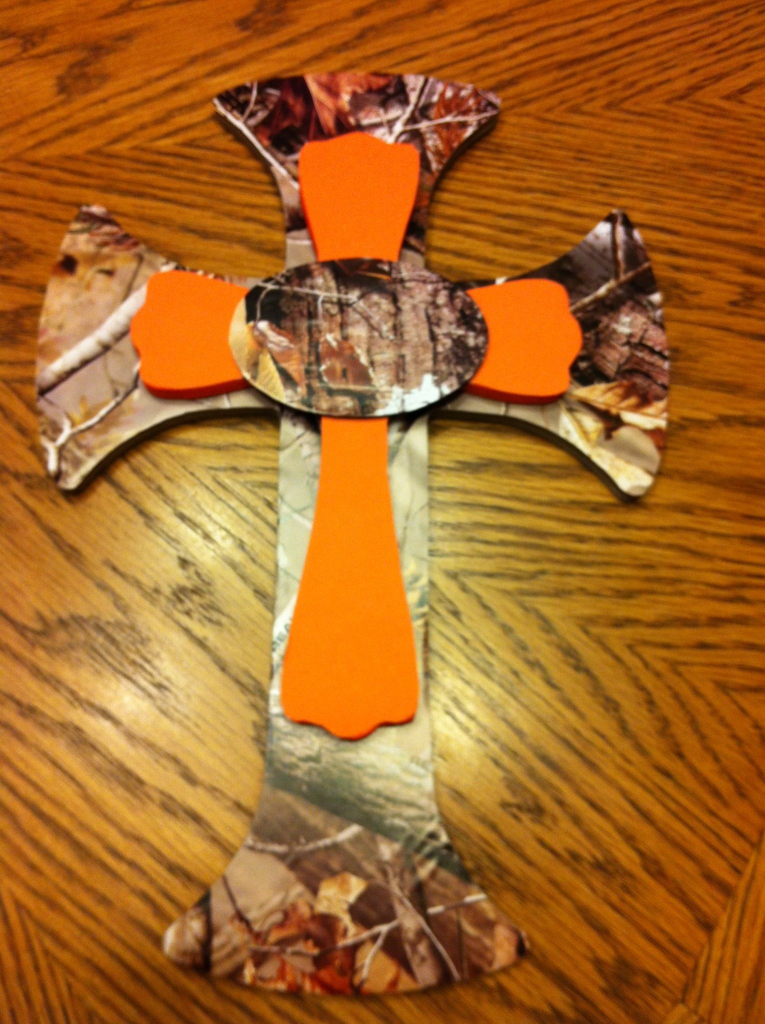 Camo & orange cross! | home decor-crosses | Camo wreath ...