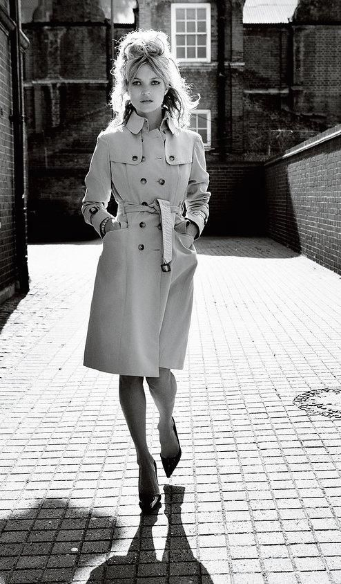 e80d1cb1666c The best styling suggestions for trench coats culled from the Vogue Archive