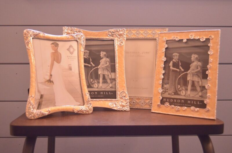 Four Elegant Picture Frames Set 4 X 6 Pretty Wedding Event Or Home Decor Frames Ebay L In 2020 Wall Hanging Photo Frames Wood Picture Frames Picture Frame Sets