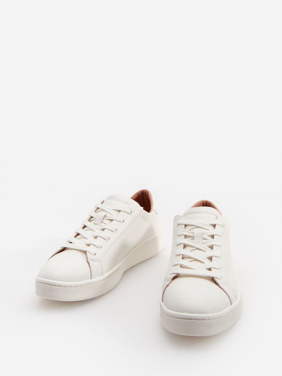 Ladies Sneakers Reserved 8986d 00x In 2021 Womens Sneakers Sneakers Wedding Sneaker
