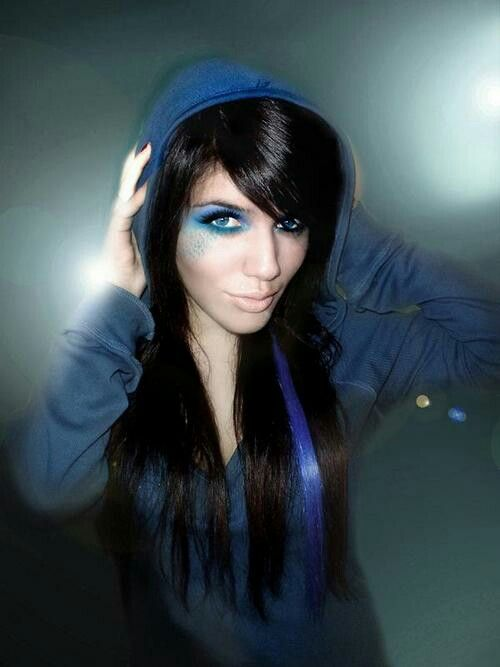 Gorgeous Black Hair W Blue Strip Black Hair Hair Styles 2014