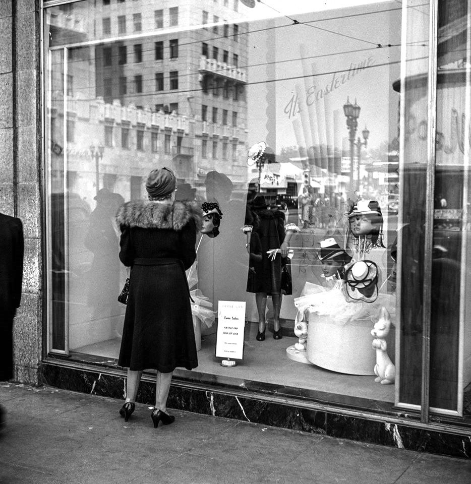 Window Shopping For Easter Hats At The Broadway Department Store At Hollywood And Vine Los Angeles Circa 1940s Hollywood Los Angeles Hollywood Building