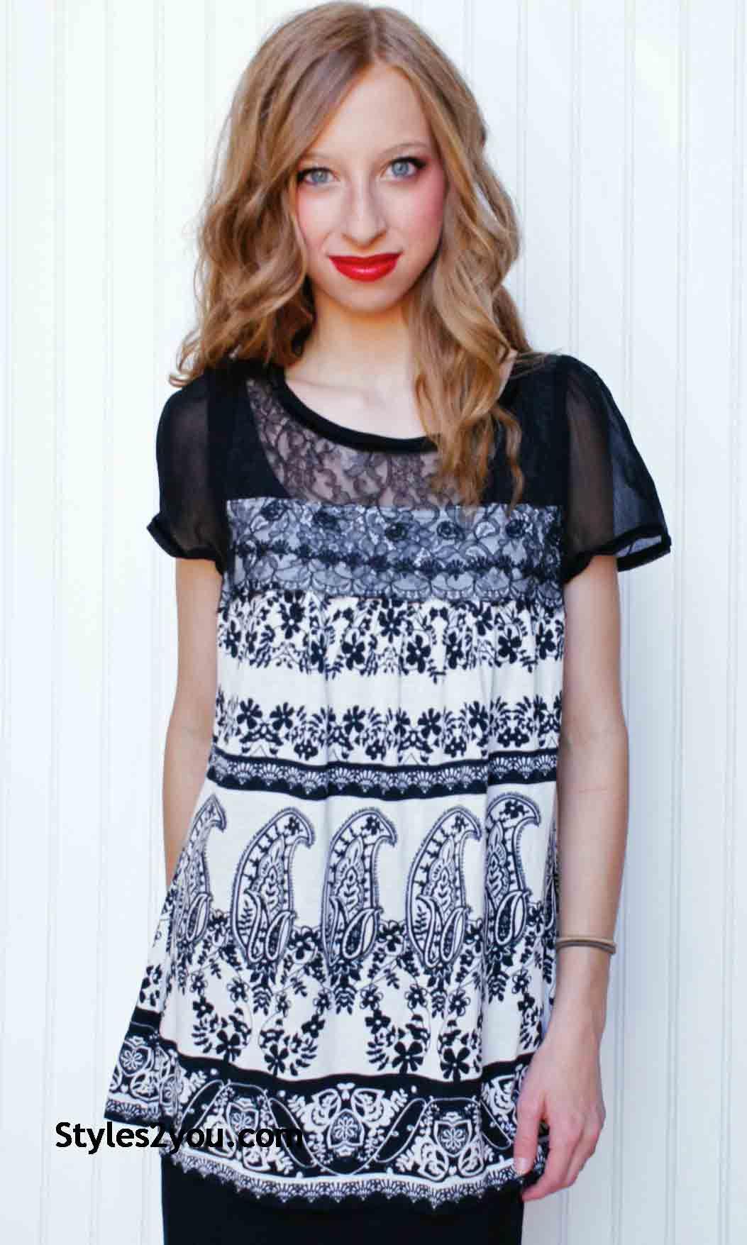 Vishalya Sleeveless Knit & Lace Blouse Black & White Bila Tops