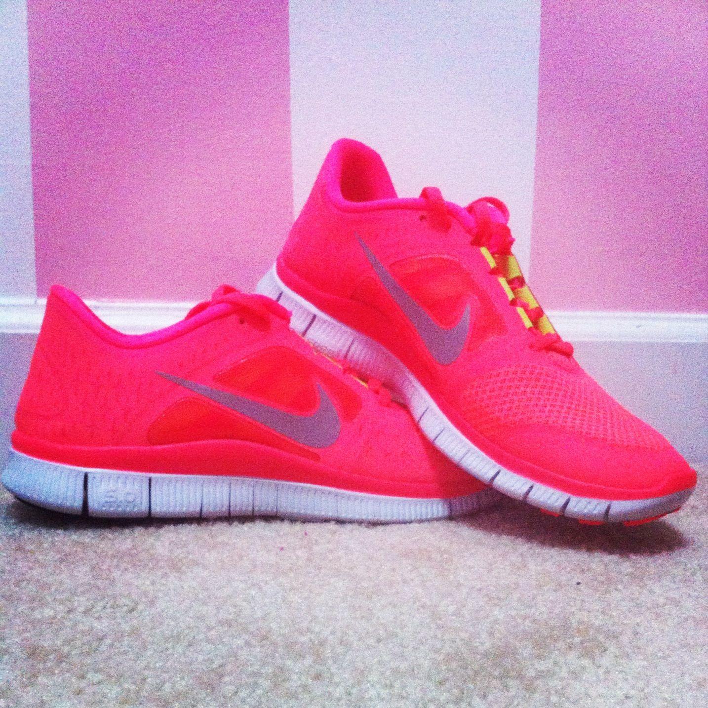 Coral Nike Free Runs. PerfectaCrearNuevasQuieroZapatillas Para Correr ... 61c41960f1aeb
