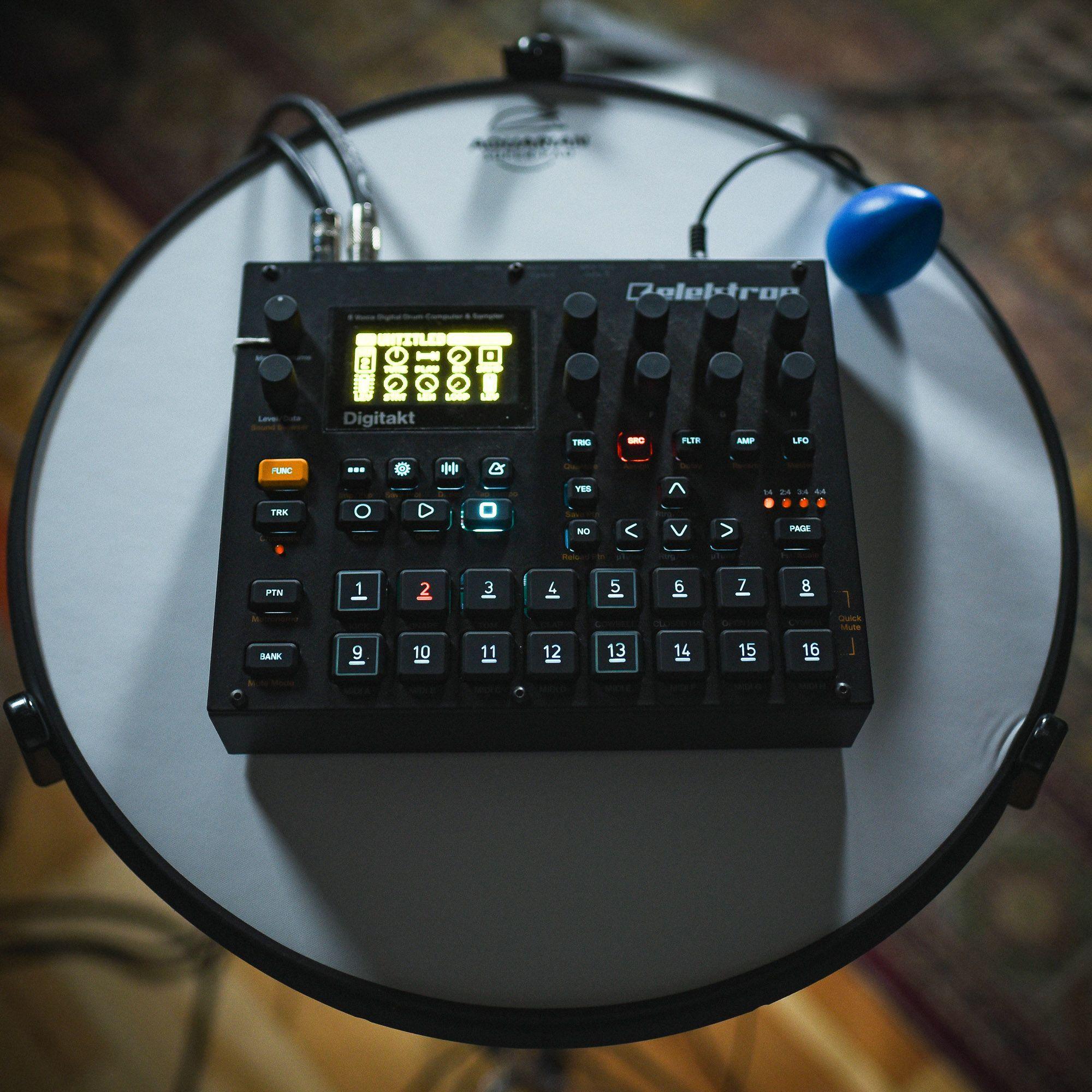 A wiredup weareelektron Digitakt drum machine. External