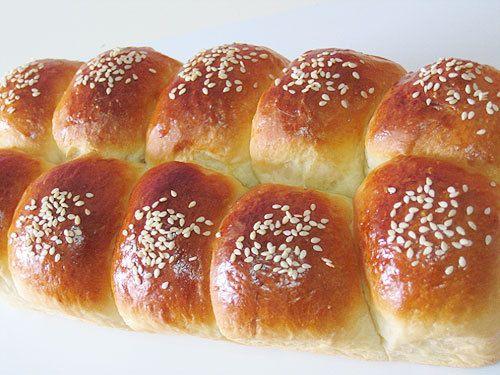 Pão doce básico( Sweet Bread from Brasil).  Tastes delicious!