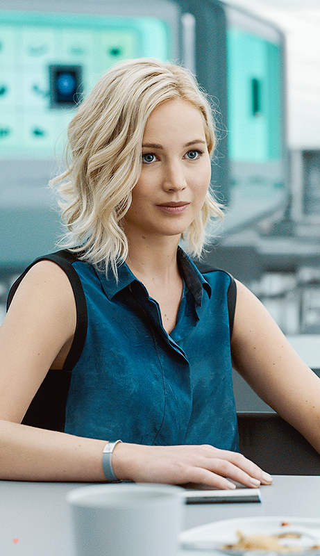 Wow Jennifer Lawrence In Upcoming Passengers Looks Breathtaking Jenniferlawrence Jennifer Lawrence Hair Short Hair Styles For Round Faces Short Hair Styles