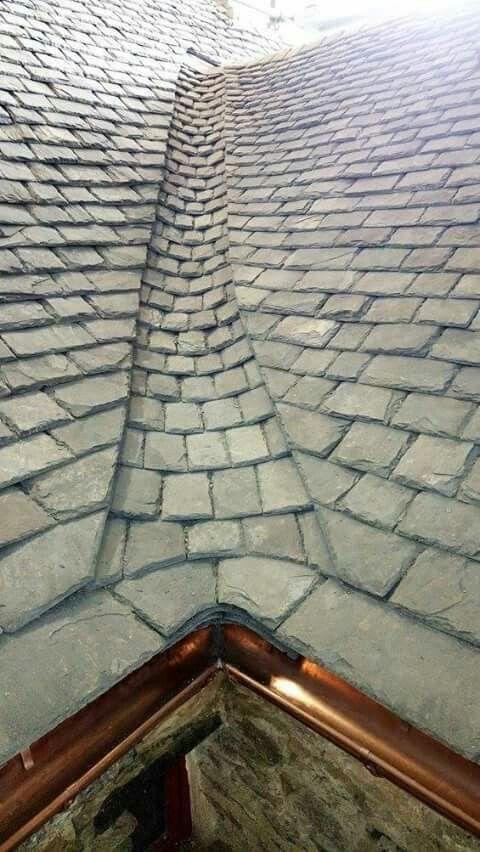 Carskij Kirpich Https Www Ruskir Ru Ruchnoj Raboty Mozhete Stat Dilerom Types Of Roofing Materials Roof Shingles Roof Architecture