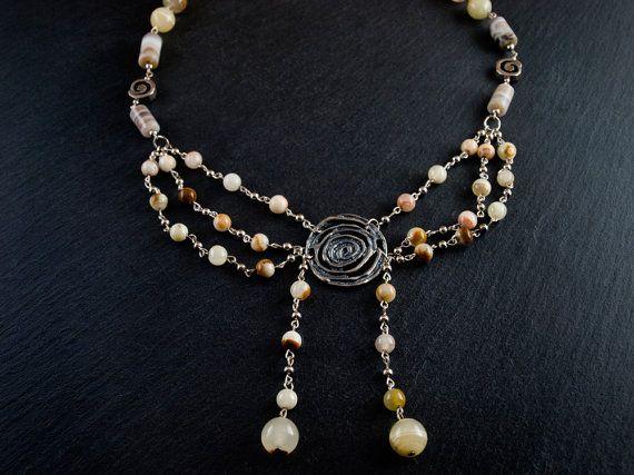 Collar Ópera Romántica por PetraStoneJoyas en Etsy,
