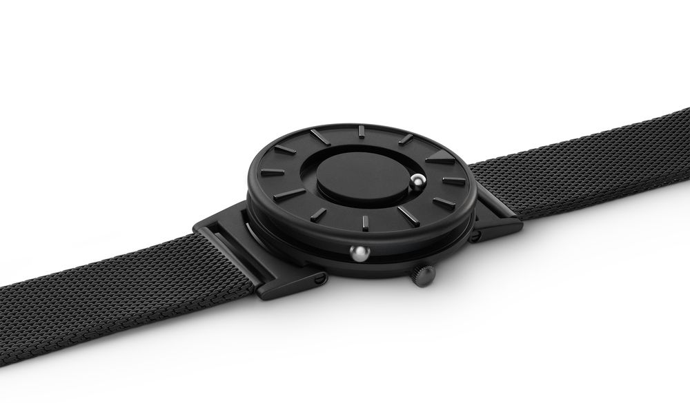 The Bradley: A Tactile Timepiece - Red Dot 21