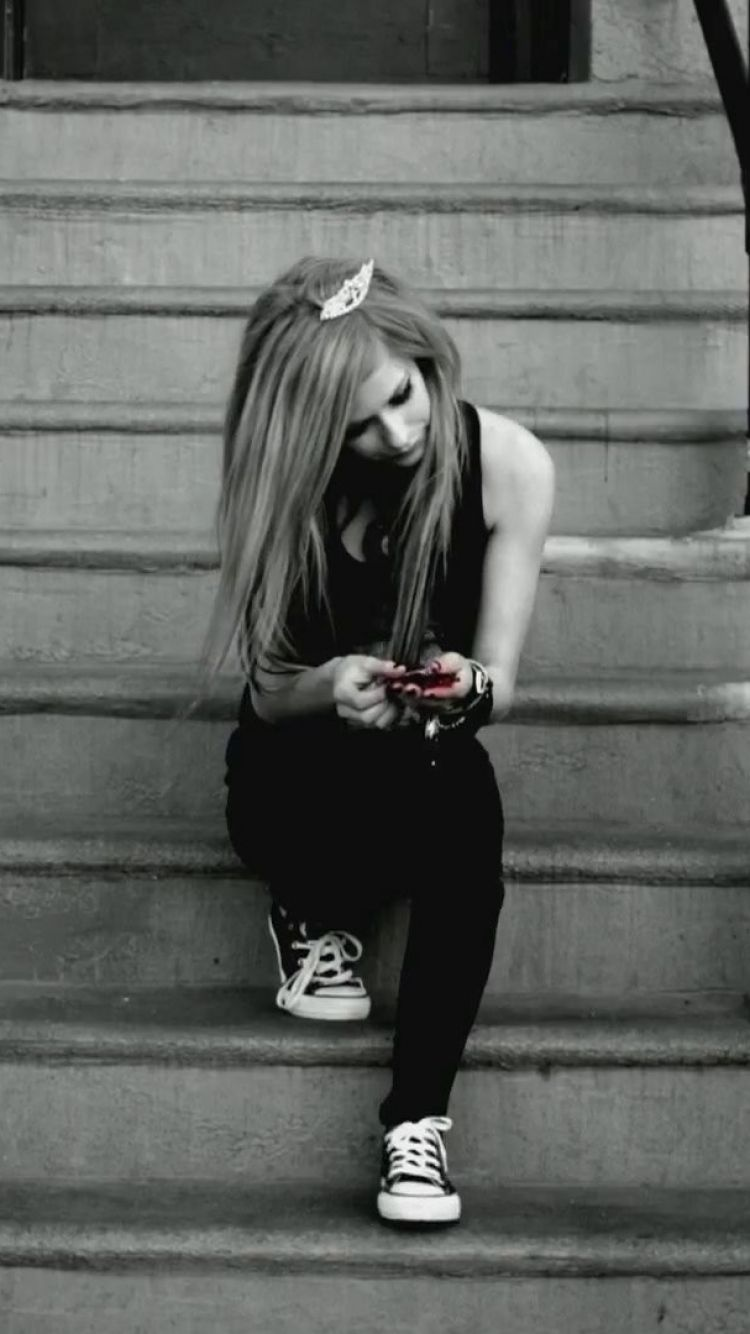 avril lavigne canadian singer cute music iphone wallpaper | avril