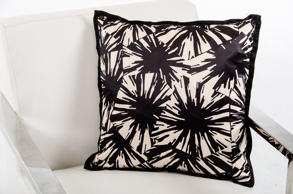 VIG Modrest Supernova Black and White Throw Pillow VGTTC10